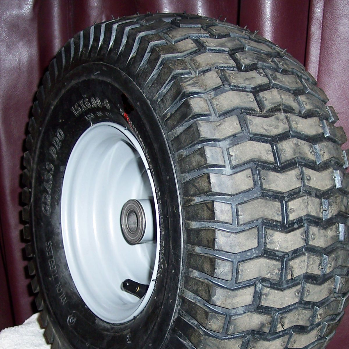 00 6 Riding Lawn Mower Garden Tractor Tire Rim Wheel Assembly