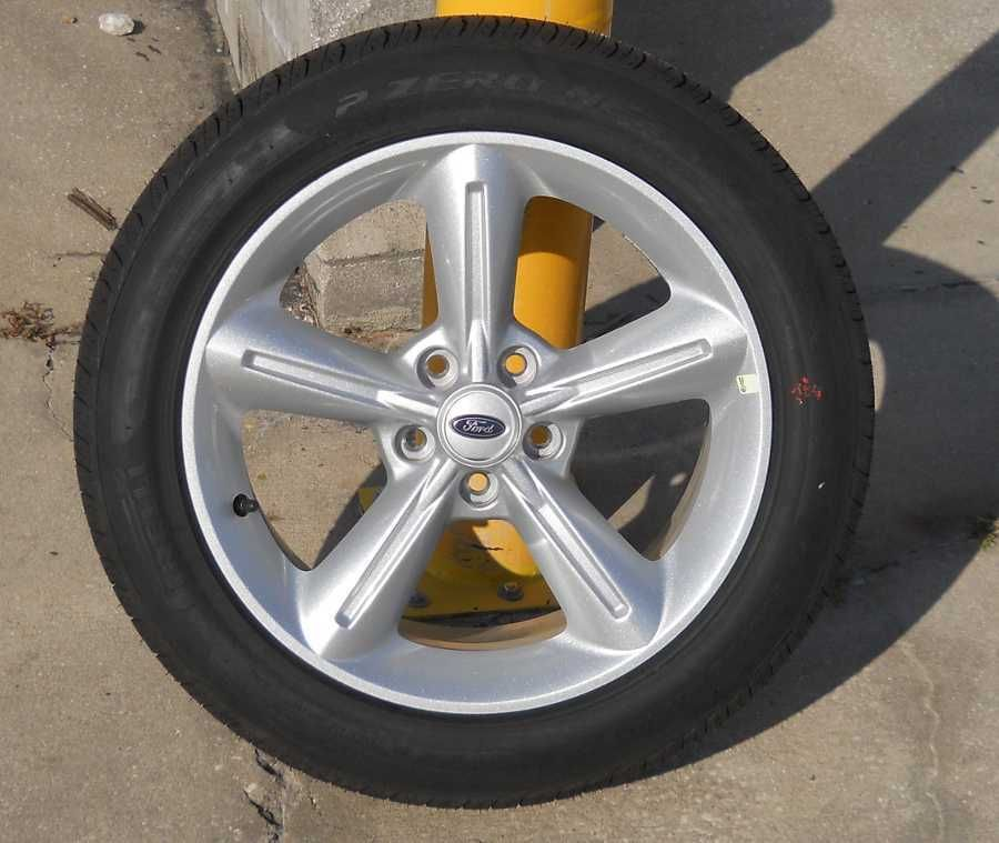 18 2005 2010 Ford Mustang Wheels Pirelli Tires Set of 4 New Take Offs